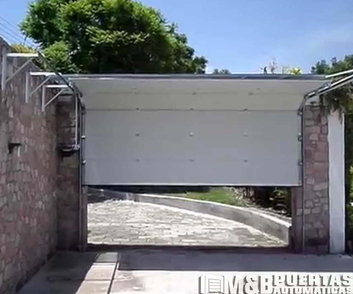 Puertas de garaje panel importado blanco m b puertas - Proyecto puerta de garaje ...