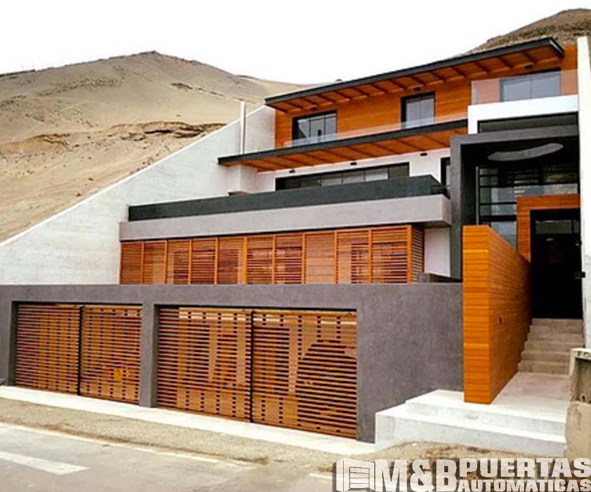Puertas de garaje en madera tipo reja m b puertas autom ticas - Puertas corredizas ...