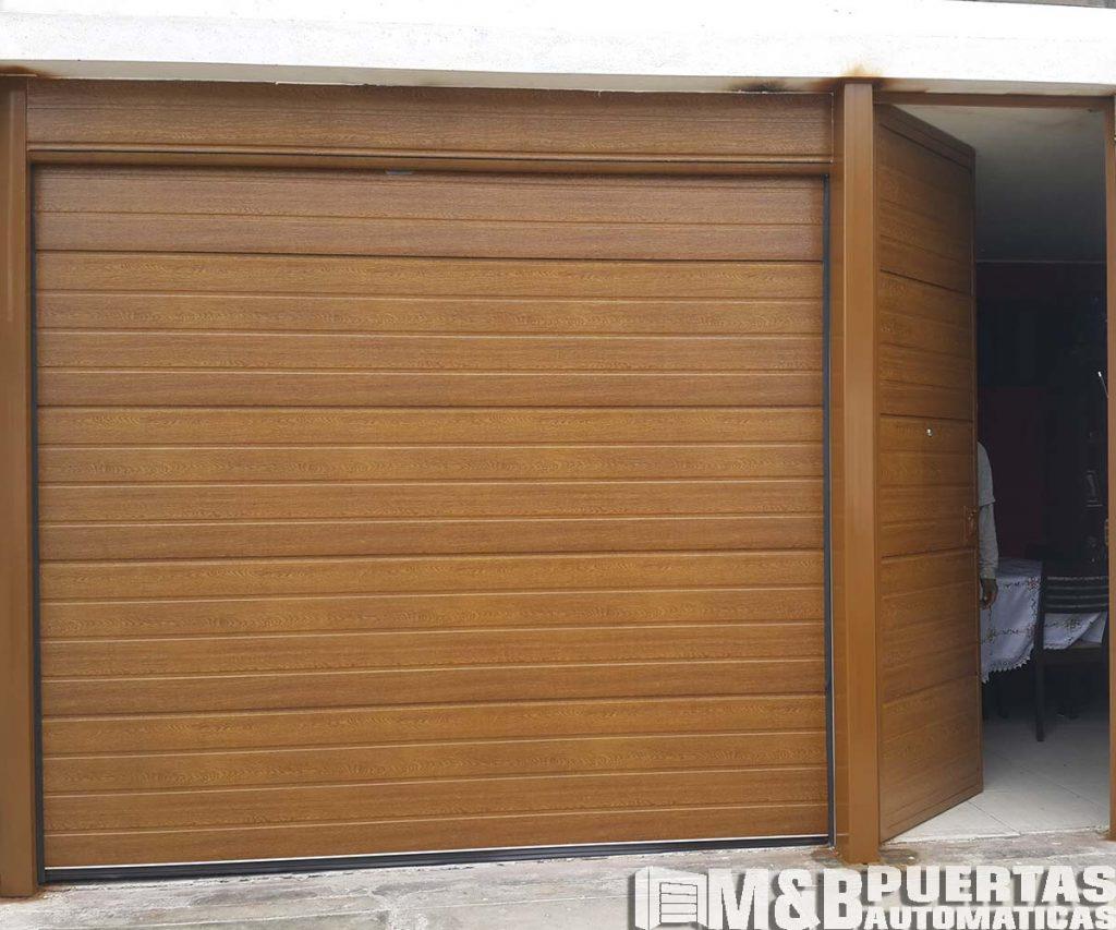 Puertas de garaje en panel importado tipo madera m b - Tipos de puertas de madera ...