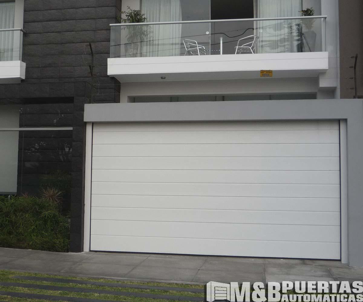 Puertas de garaje en panel tipo sandwich m b puertas - Proyecto puerta de garaje ...