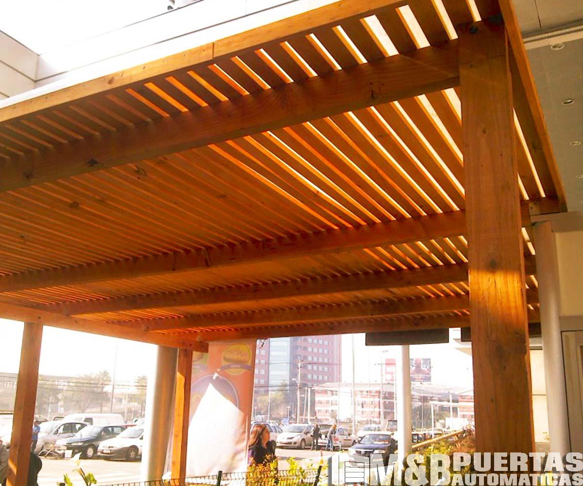 Techos de madera sol y sombra m b puertas autom ticas - Estructuras de madera para techos ...