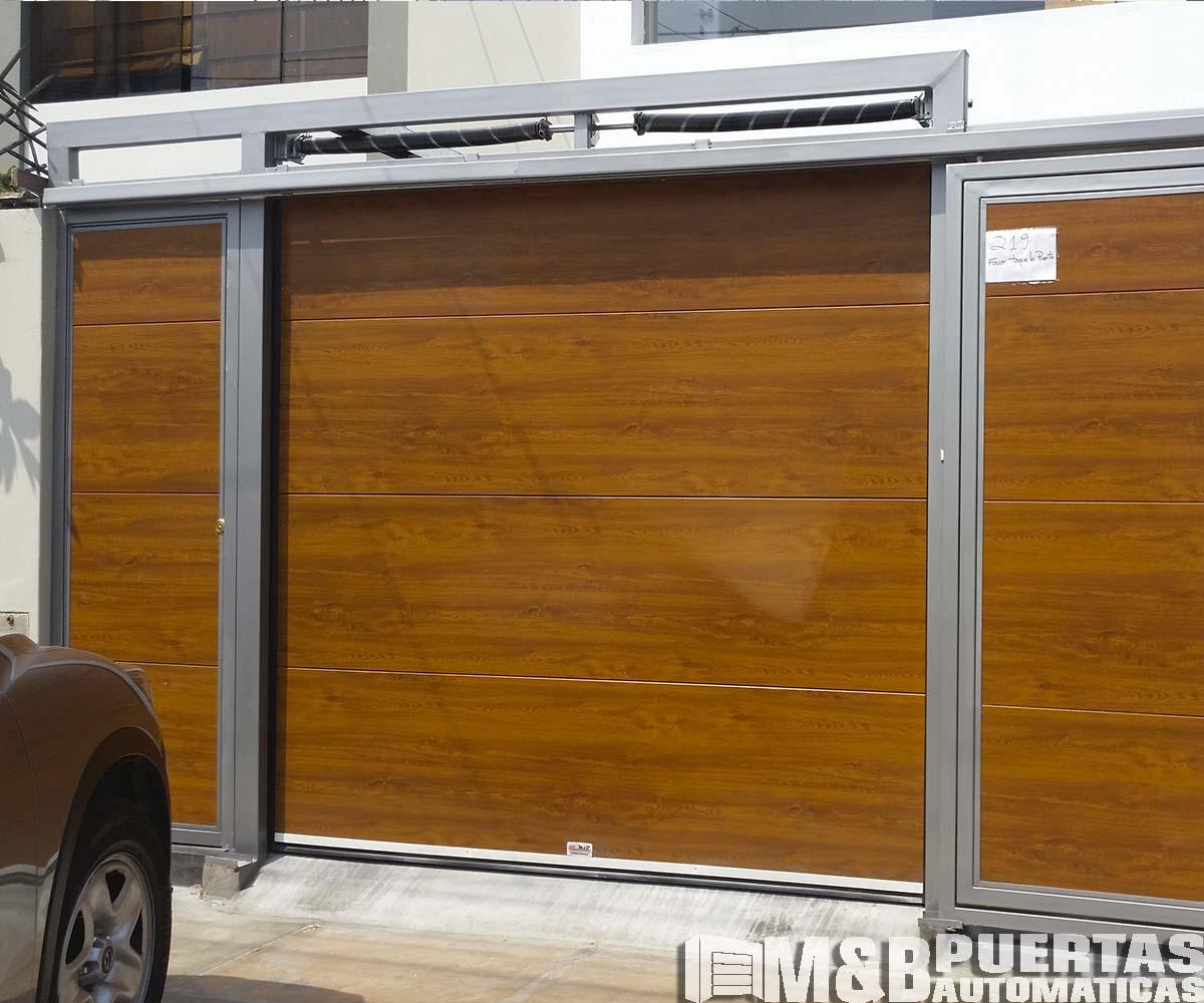 Puertas de garaje en panel importado tipo madera m b - Tipos de puertas de garaje ...