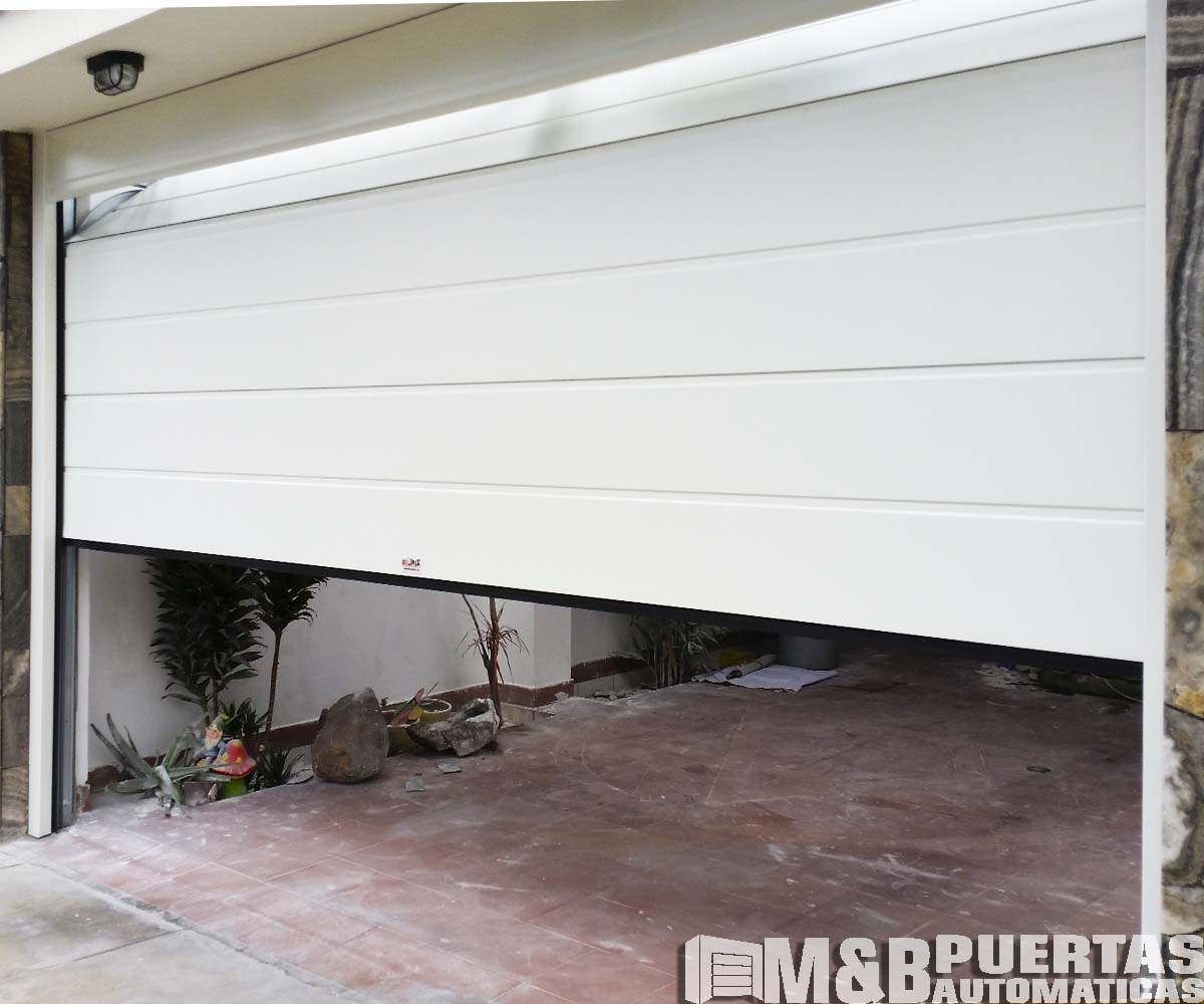 Puertas de garaje en panel tipo sandwich el mejor panel 2018 - Proyecto puerta de garaje ...