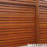 porton seccional listones de madera y acero