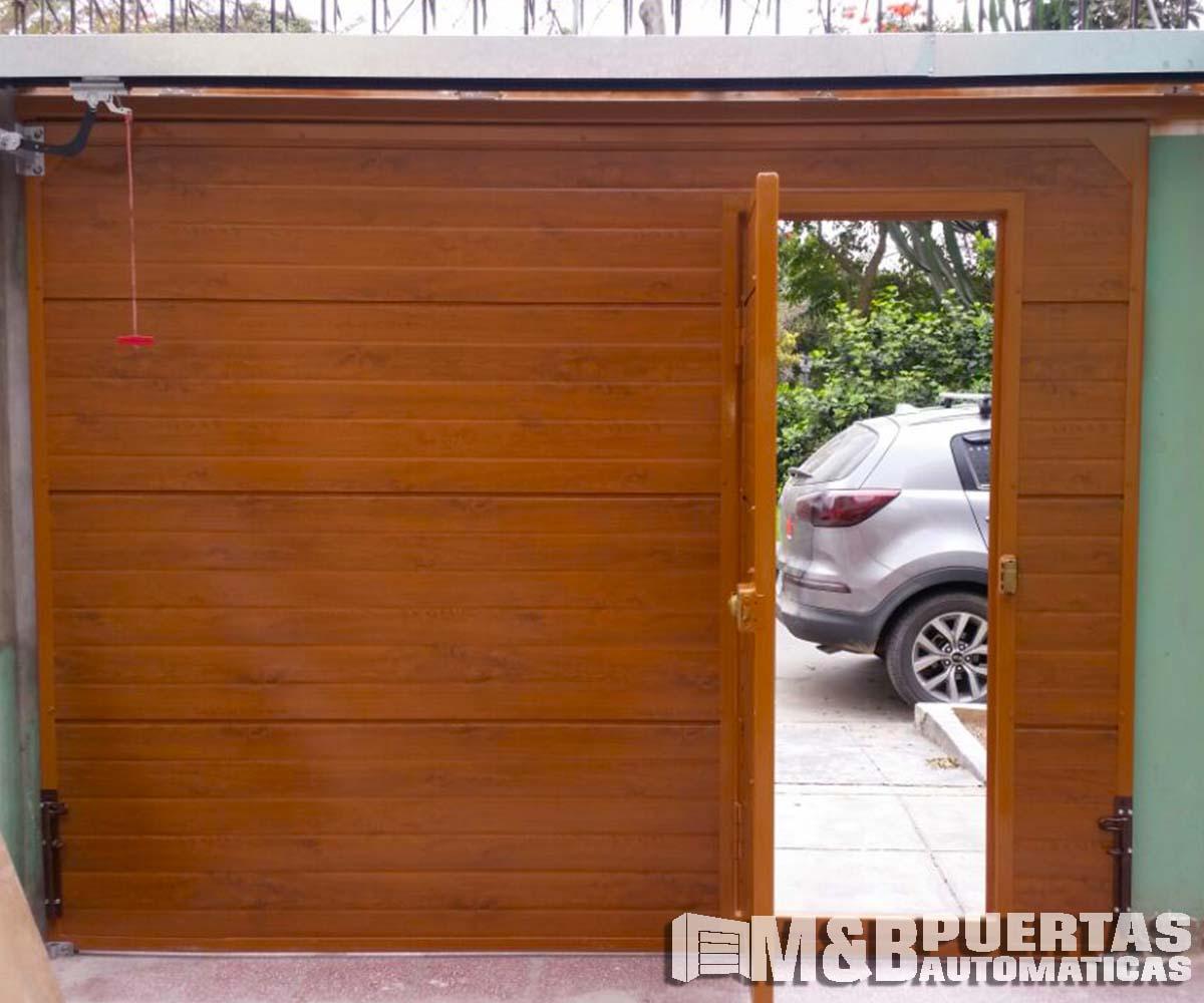 Puertas de garaje en panel importado tipo madera m b puertas autom ticas - Puerta corrediza madera ...