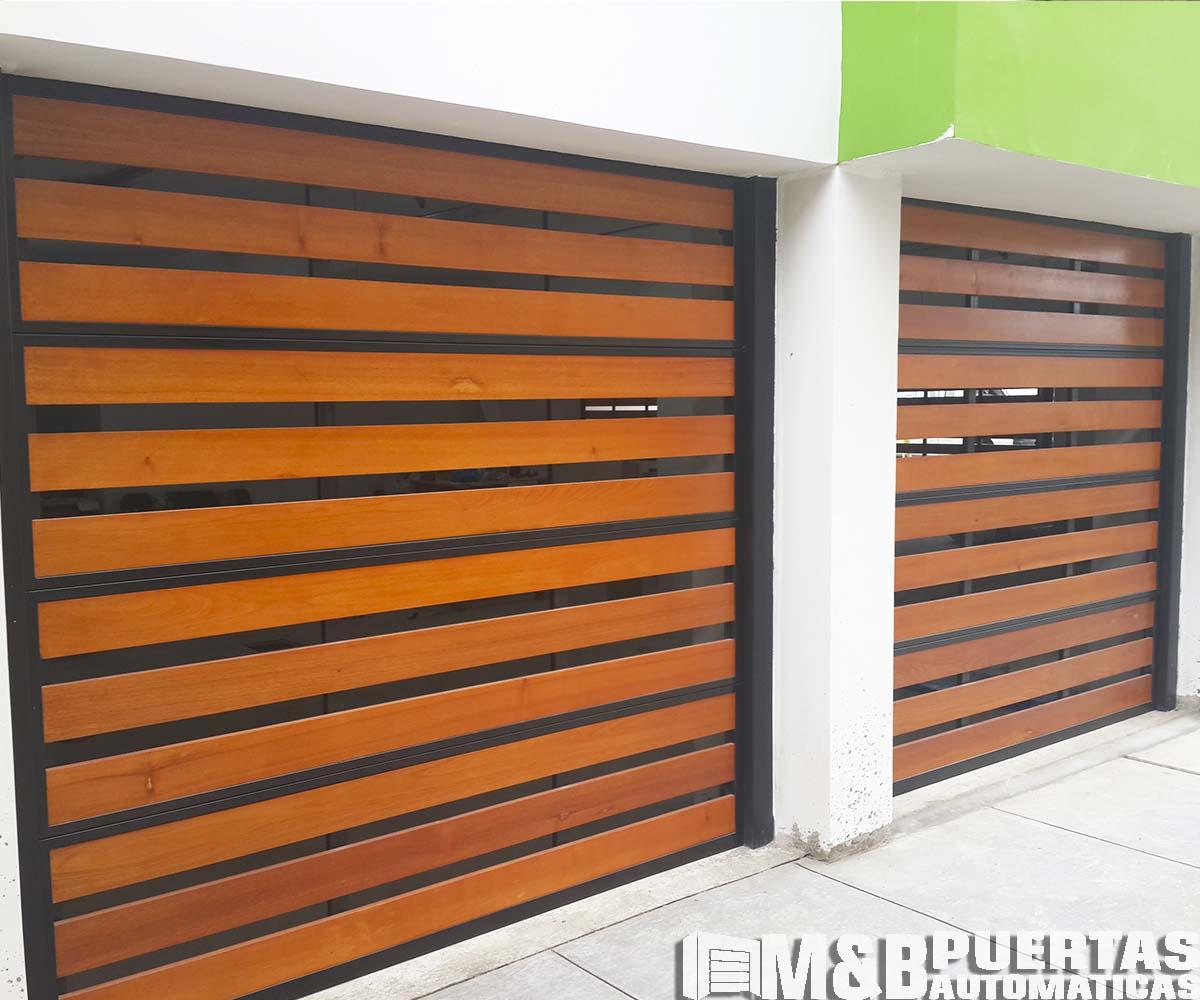 Puertas de garaje en madera tipo reja m b puertas for Puertas para garajes
