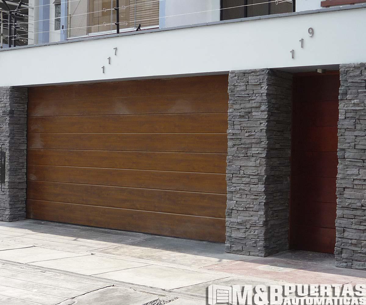 Puertas de garaje en panel importado tipo madera m b - Proyecto puerta de garaje ...
