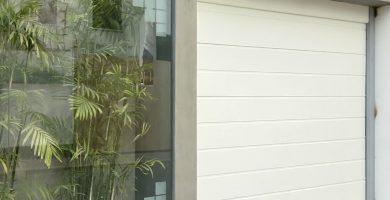 puerta seccional blanco liso
