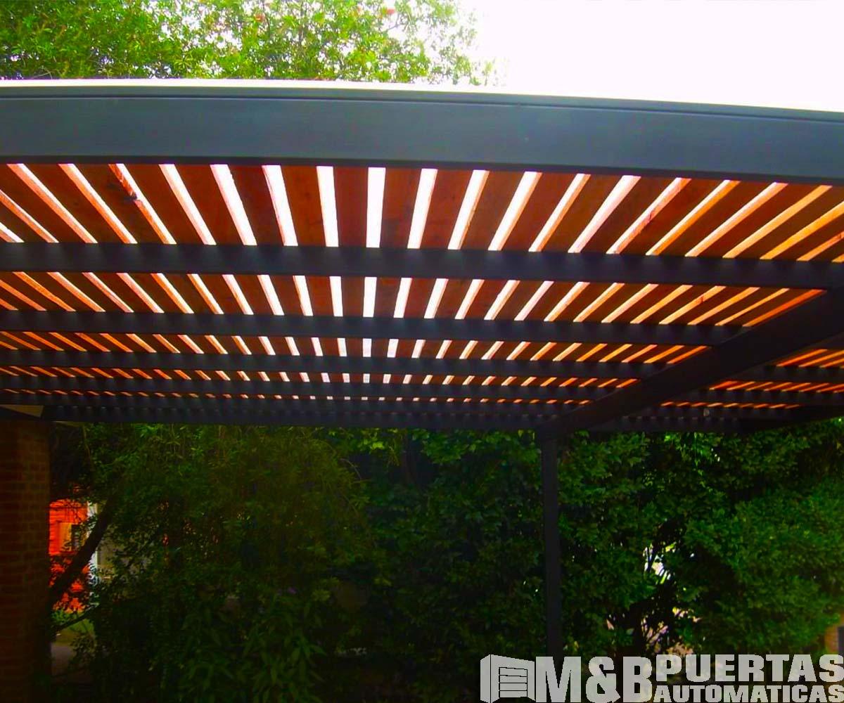 Techos de madera sol y sombra m b puertas autom ticas for Modelos de techos para galerias