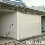 puerta de garaje blaco liso flat